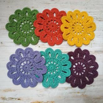 Набор разноцветных вязаных костеров Подставка под горячее Подстаканник