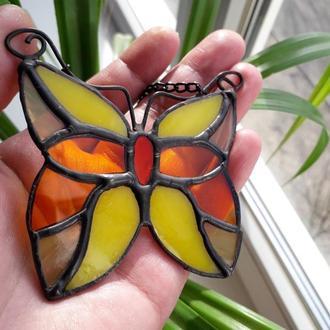 Витражная подвеска на окно «Бабочка», техника Тиффани.  Бабочка  маленький ловец солнца