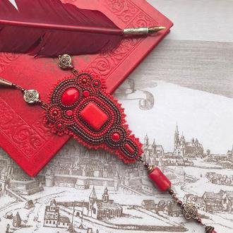 """Ярко-красный длинный кулон """"Сayenne"""", вышитый бисером кулон, крупный красный кулон"""