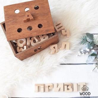 Букви з дерева