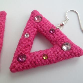 Вышитые серьги «Треугольники»
