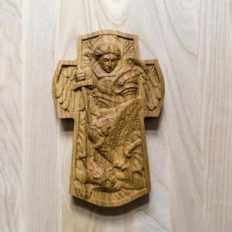 Крест с Архангелом Михаилом из дуба