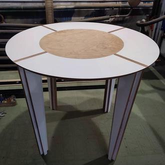 Стол из ламинированной фанеры