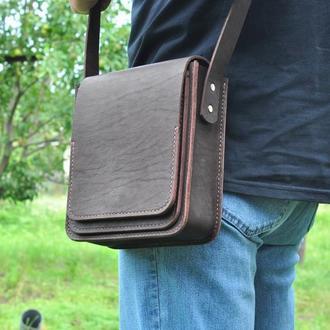 Сумка через плечо с одним отделением и тремя карманами