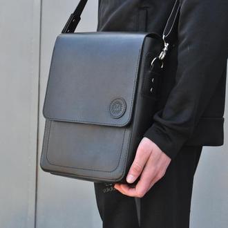 Кожаная сумка через плечо с одним большим отделением и карманом