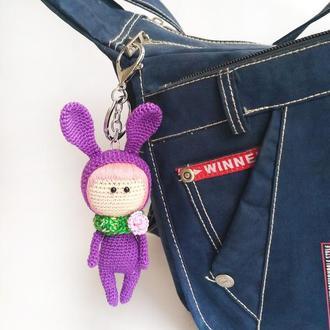 Вязаный брелок пасхальный зайчик на сумку, рюкзак, вязаная кукла кролик подарок на Пасху