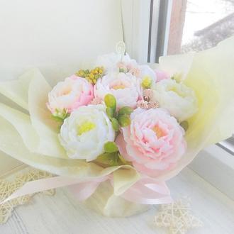 Букет цветов из мыла в супнике