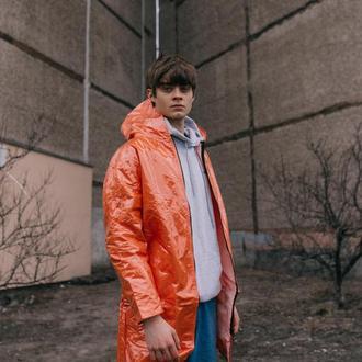 Оранжевый прозрачный дождевик с плащевой тканью