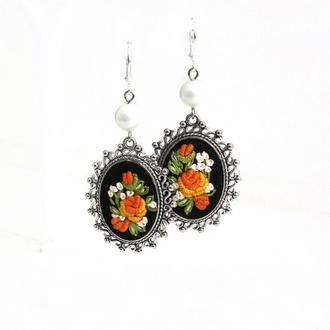 Длинные серьги с жемчугом Нарядные серьги с цветами черный оранжевый Подарок маме