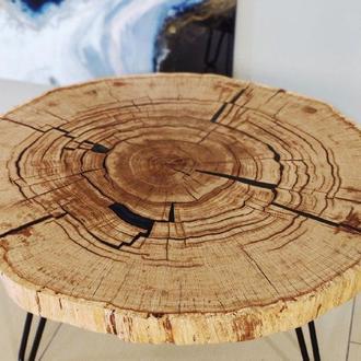 Дубовый столик с эпоксидной смолой 800 мм