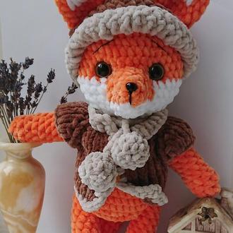 Лисенок (лисичка) в курточке и шапочке из плюшевой пряжи, мягкая игрушка