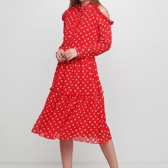 Плаття в горох на червоному тлі