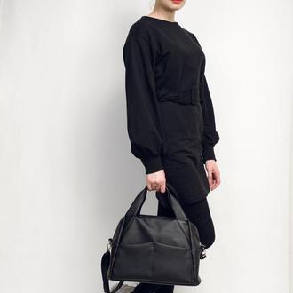 Женская черная спортивная сумка с ремнем
