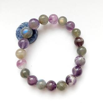 Женский браслет из натуральных камней аметиста, лабрадора и флюорита