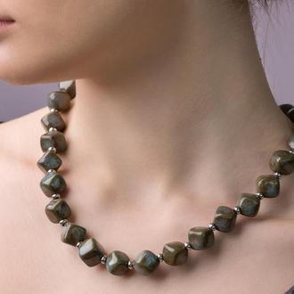 """Зеленовато - серое ожерелье из керамики """"Night Queen"""""""