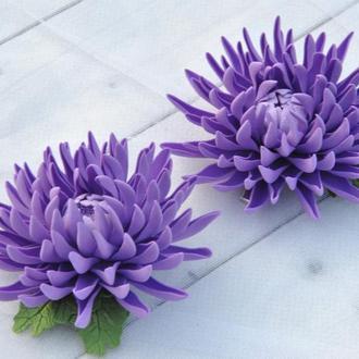 Заколки фиолетовые хризантемы Заколки для девочки в школу