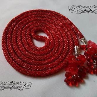 Лариат цвета красной спелой смородины