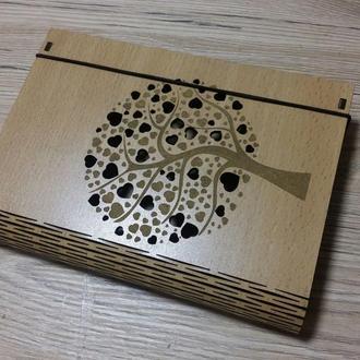"""Деревянная шкатулка - книжка """"Дерево сердечек"""""""