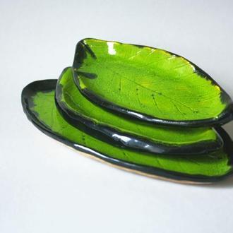 Сет зеленых отпечатков листьев