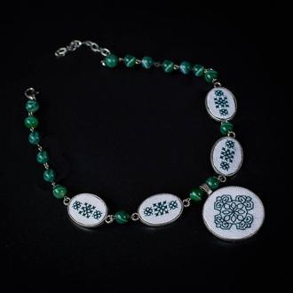 Зеленое колье под шею с агатом Колье на выпускной на свадьбу Короткое ожерелье белое Зеленые бусы