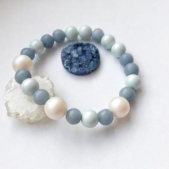 Женский нежный голубой браслет из натурального ангелита и жемчуга Swarovski