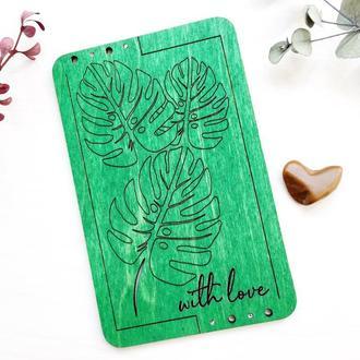Поздравительная  открытка из дерева With love.