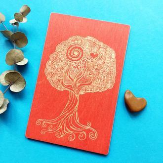 """Деревянная открытка """"Дерево жизни""""."""