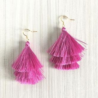 Трехслойные розовые серьги кисточки