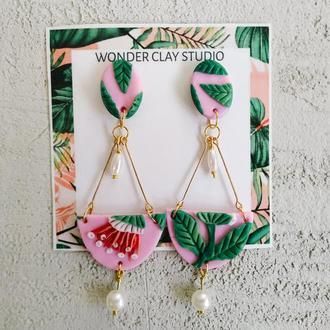 Длинные нежные ботанические серьги розовые / зеленые с цветами и листьями