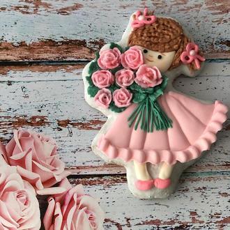 Пряник Девочка с букетом роз