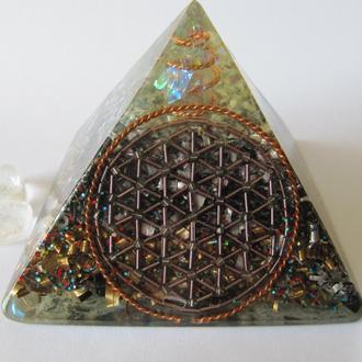 Пирамида оргонит. Цветок жизни. Декор для дома. Гармонизация пространства. Сувенир. Подарок.
