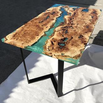 Обеденный стол из дерева с рекой из эпоксидной смолы, Деревянный обеденный стол
