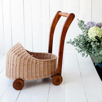 Плетеная коляска на деревянном шасси для девочки Возить куклы Игрушки Ходунки Аксесуар для фото