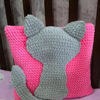 Вязаная подушка Кошечка