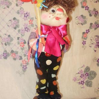 Клоун Дема оберіг у будинок