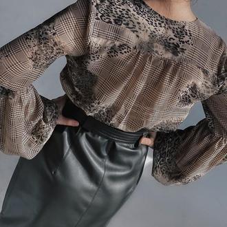 Шифоновая блуза цвета хаки с леопардовым принтом