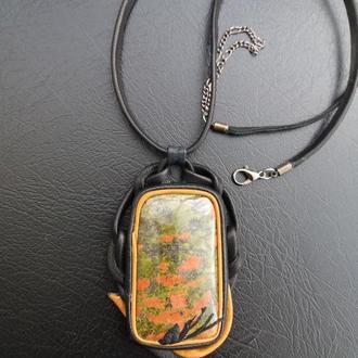 """Колье-кулон """"Маковое поле"""" - натуральная кожа, натуральный камень яшма"""