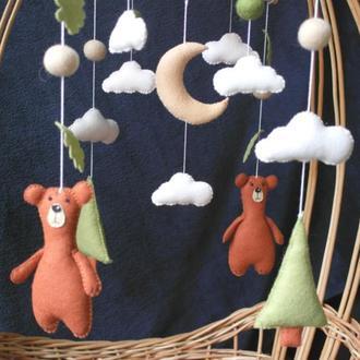 детский мобиль  для мальчика Мишки в лесу