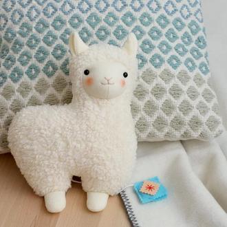 Молочная альпака подушка
