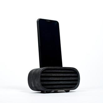 Колонка для телефона. Подставка из дерева