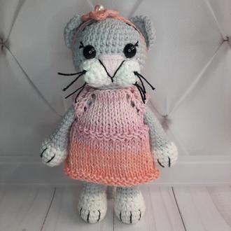 """Вязаная игрушка """"Кошечка Мими"""" в розовом"""