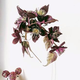 Обруч-ободок с кожаными цветами Клематиса