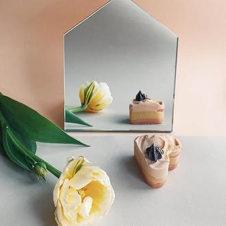 Дзеркало настільне для макіяжу