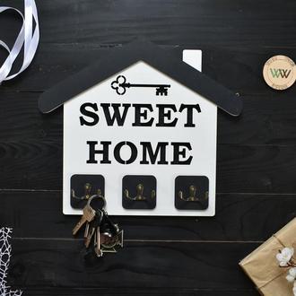 "Настенная ключница в виде домика с ключом ""Sweet home"", из дерева"