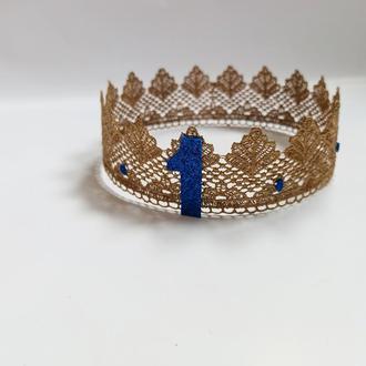 Корона на рік