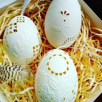 Подарунковий набір з різблених гусячих  яєць