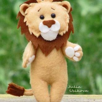 Игрушка львенок