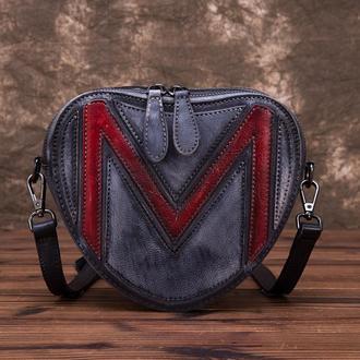 Элегантная сумочка сердце с тиснением Милли