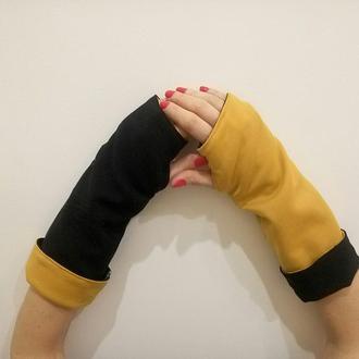 Митенки  перчатки без пальцев горчичного и черного цвета. Перчатки без пальцев