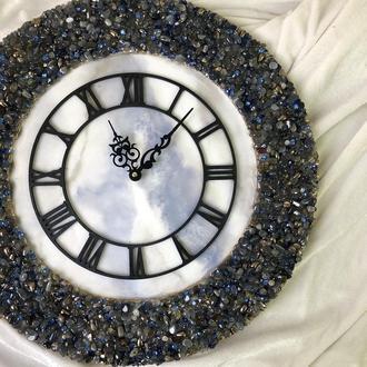 Часы с голубым кварцем